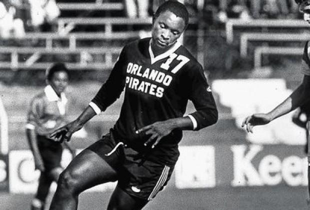 Jomo Sono  Orlando Pirates greatest footballer of all times - Diski 365 55d0f8c2f
