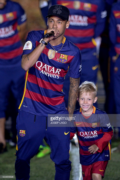 Checkout 5 Cute Photos Of Neymar Jr With His Son - Diski 365