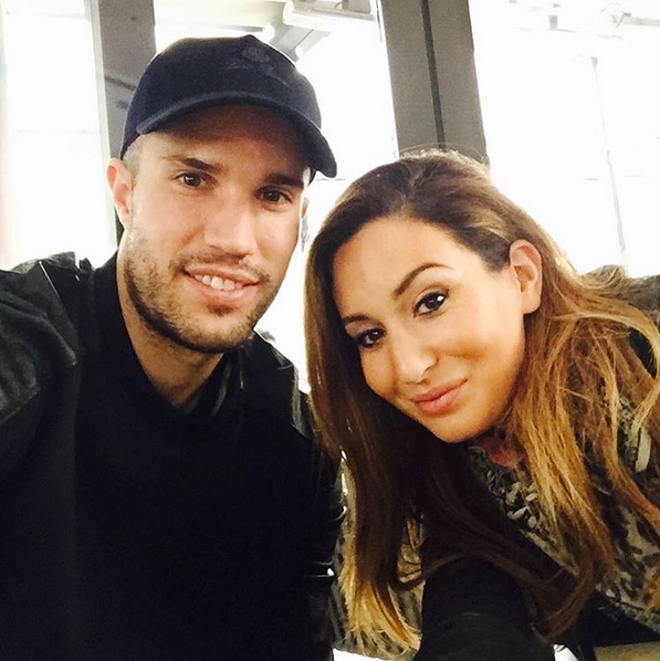 Checkout 5 Cute Photos Of Robin Van Persie With His Wife