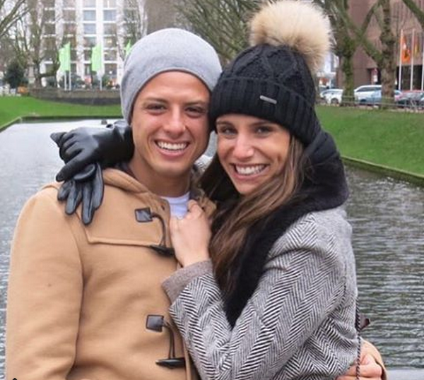 Chicharito with his girlfriend1