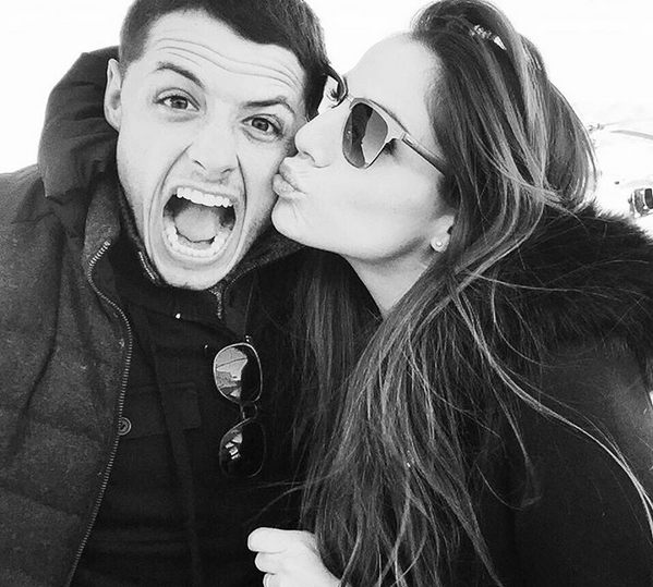 Chicharito with his girlfriend2