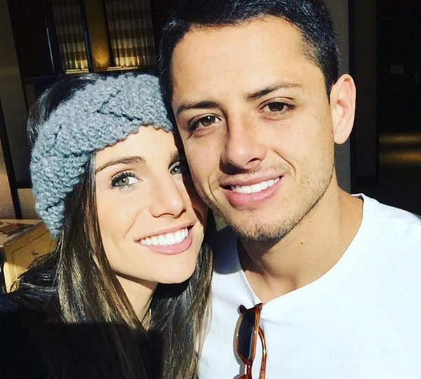 Chicharito with his girlfriend3