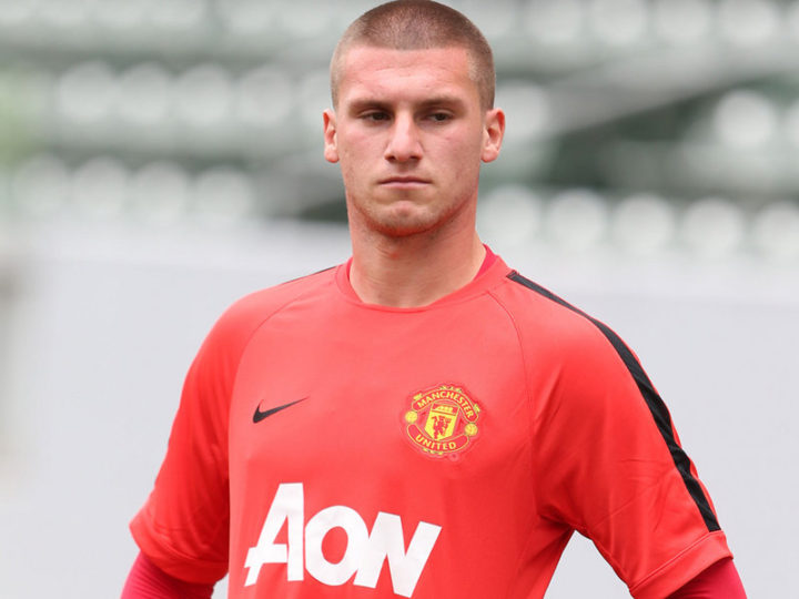 Manchester United Goalkeeper Sam Johnstone signs a new contract